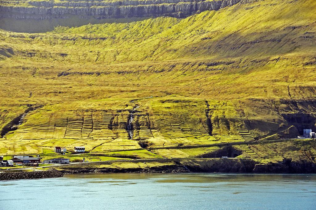 färöer inseln - vom schiff aus - leirvikfjord teil 2