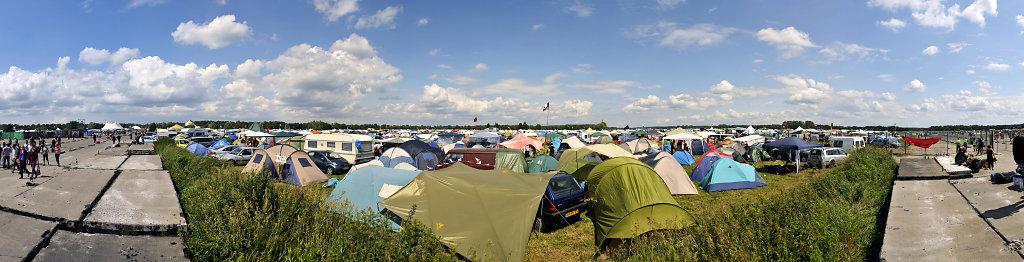 fusion 2013 - (32) - teilpanorama landebahn camp