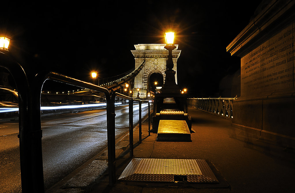 ungarn - budapest - night shots - kettenbrücke teil 9