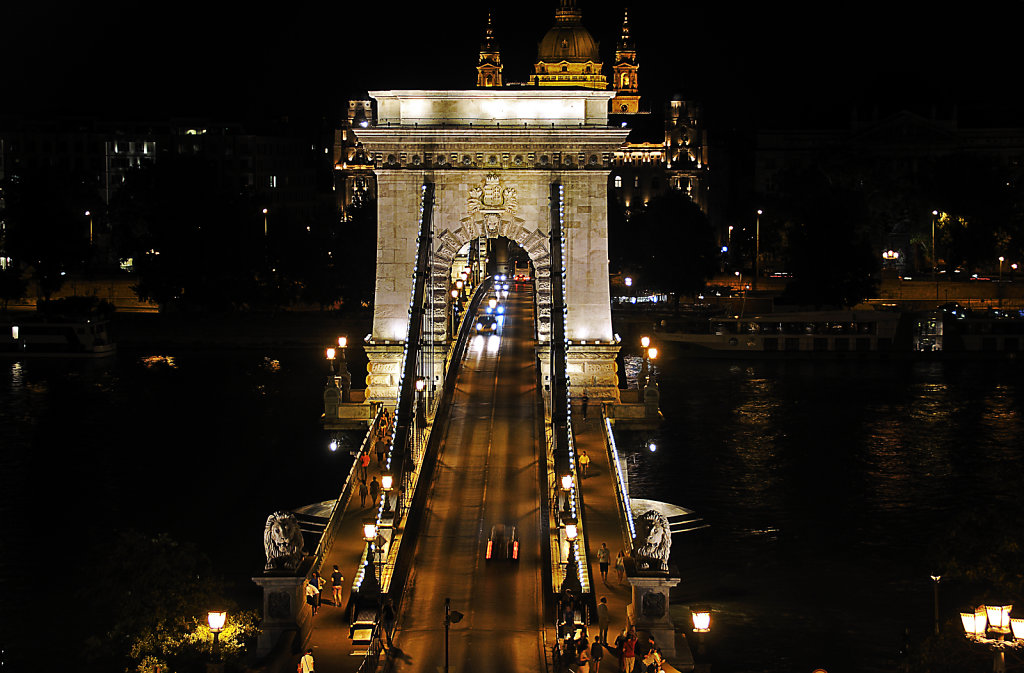 ungarn - budapest - night shots - kettenbrücke teil 6