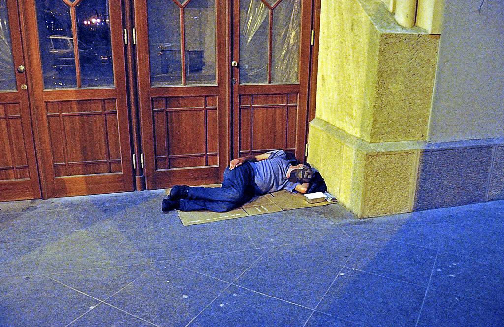 ungarn - budapest - night shots - die kehrseite