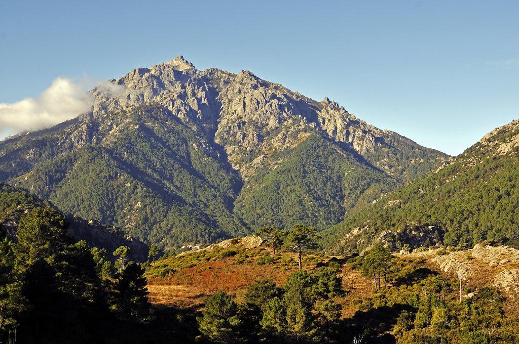 korsika  - vivario – blick auf den monte d`oro