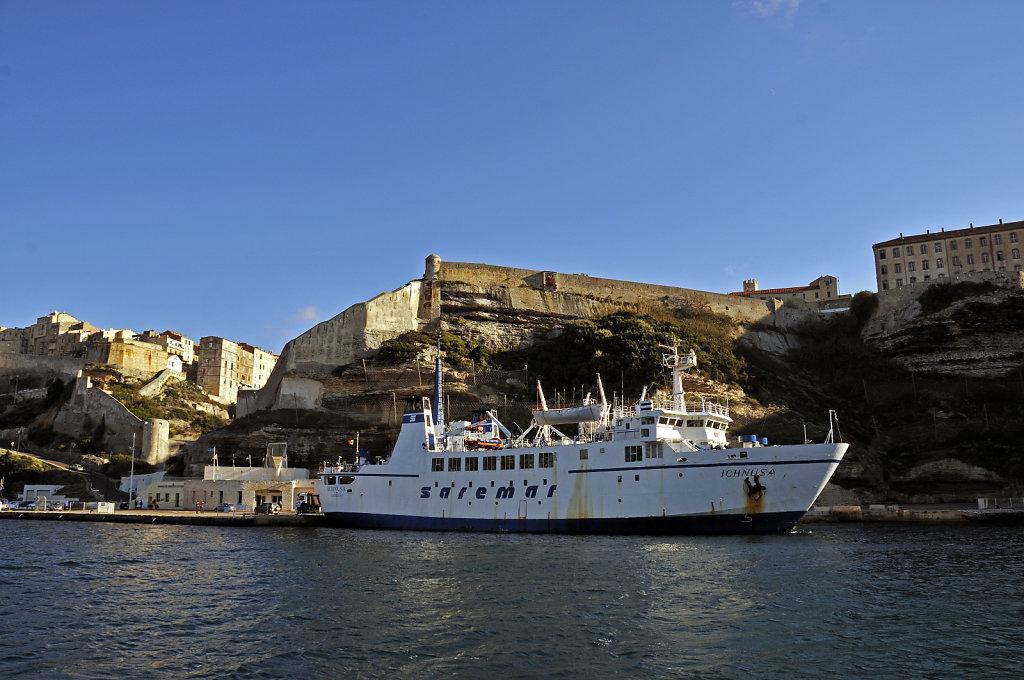 korsika  - bonifacio - fährhafen