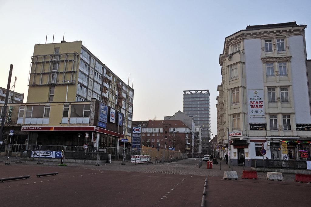 hamburg – st.pauli - blick in die taubenstraße