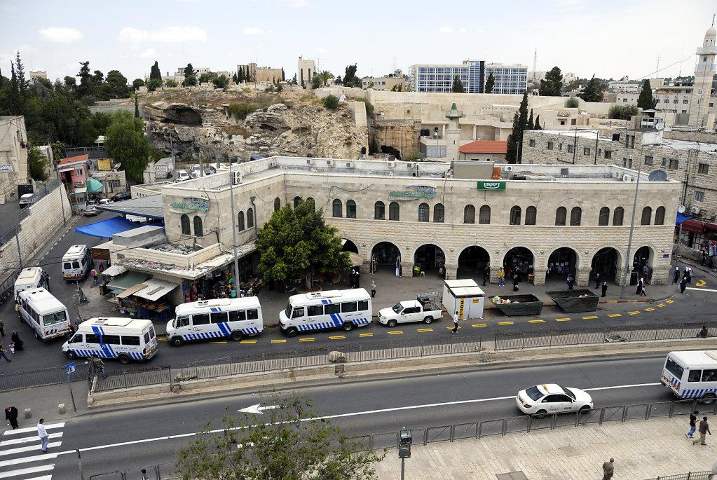 israel – jerusalem - der blick von der mauer -  der busbahnhof