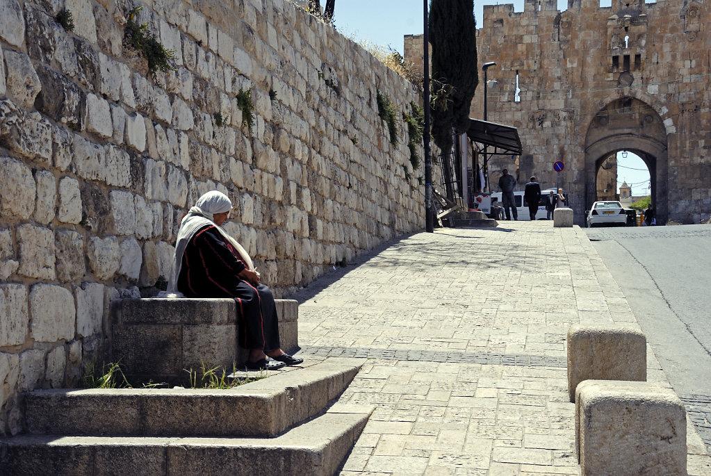 israel – jerusalem - warten