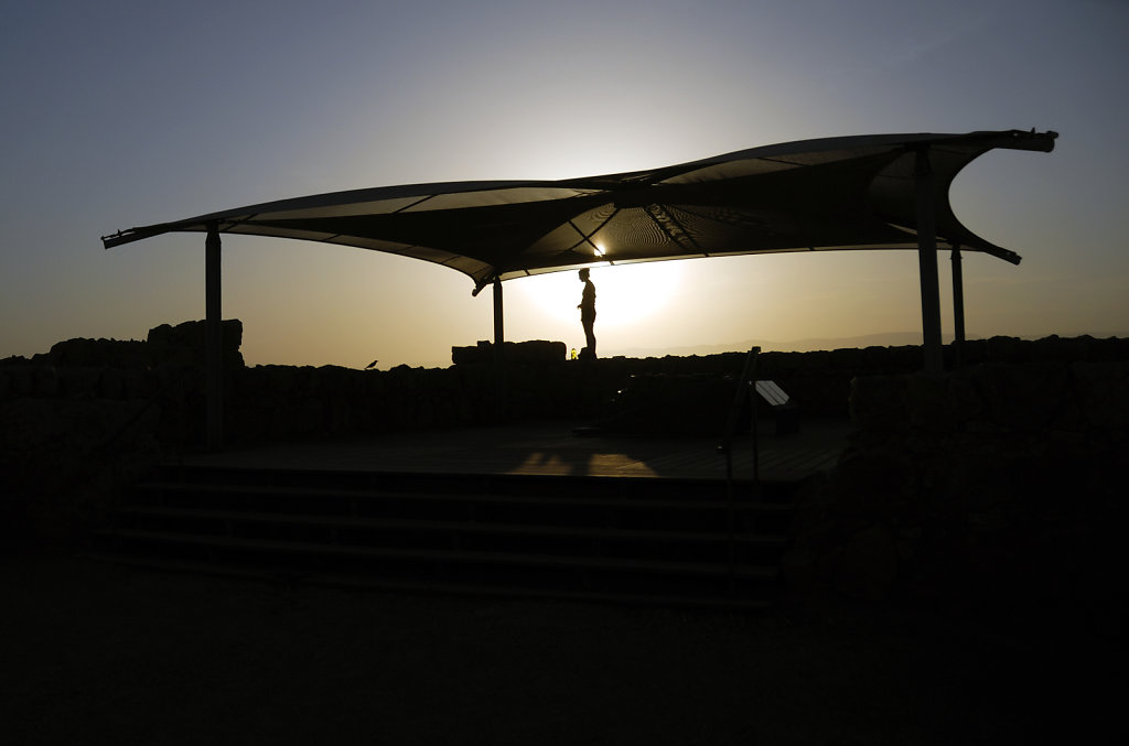 israel- totes meer - masada – silhouette
