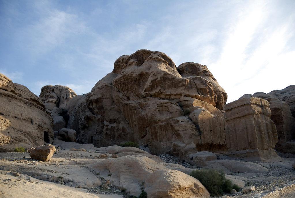 jordanien - petra - die djinn blocks  teil 2