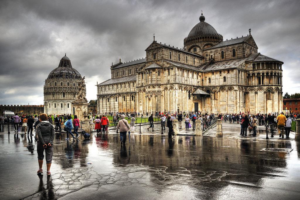 italien - pisa - nach dem regen