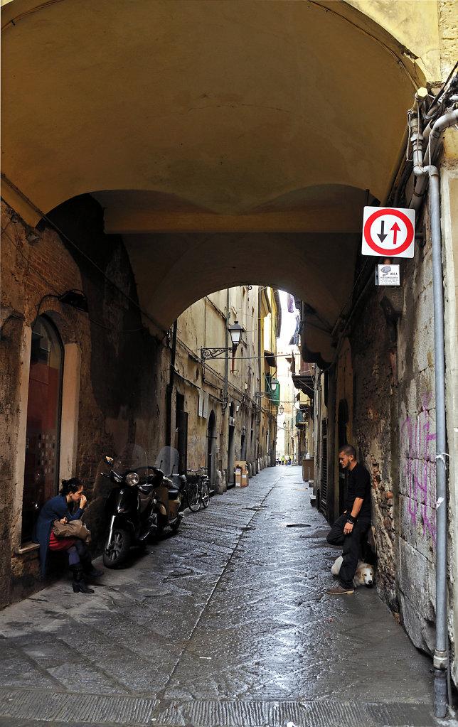 italien - pisa - zwiegespräch