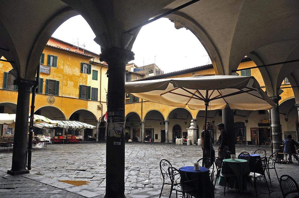 italien - pisa - piazza vettovaglie