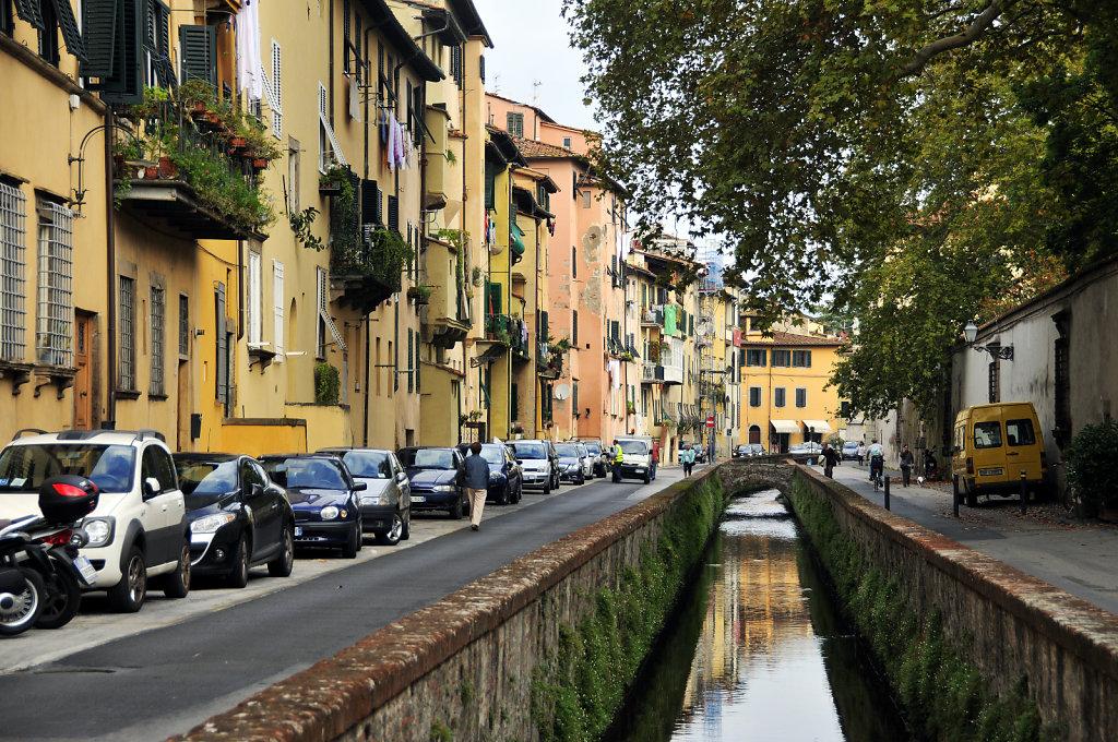 italien- lucca - via del fosso