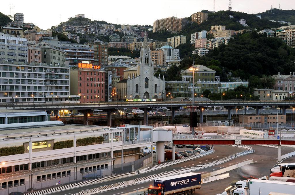 italien -genua -blick auf die stadt