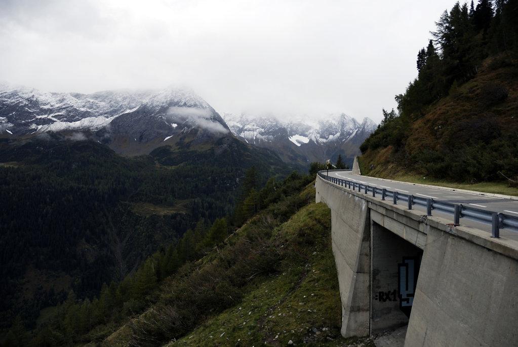 schweiz - gotthardpass  - die passstrasse