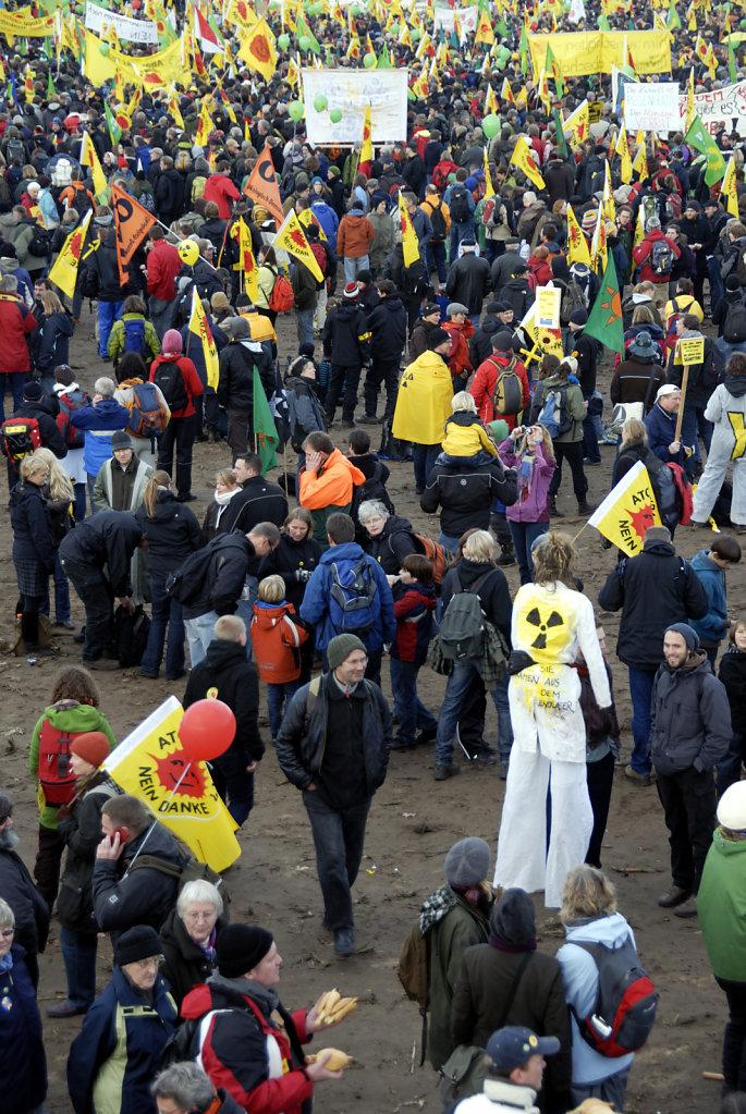 castor november 2010 –   die kundgebung (07)