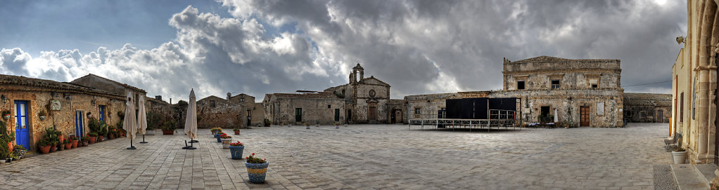 sizilien (22) - marzamemi - piazza