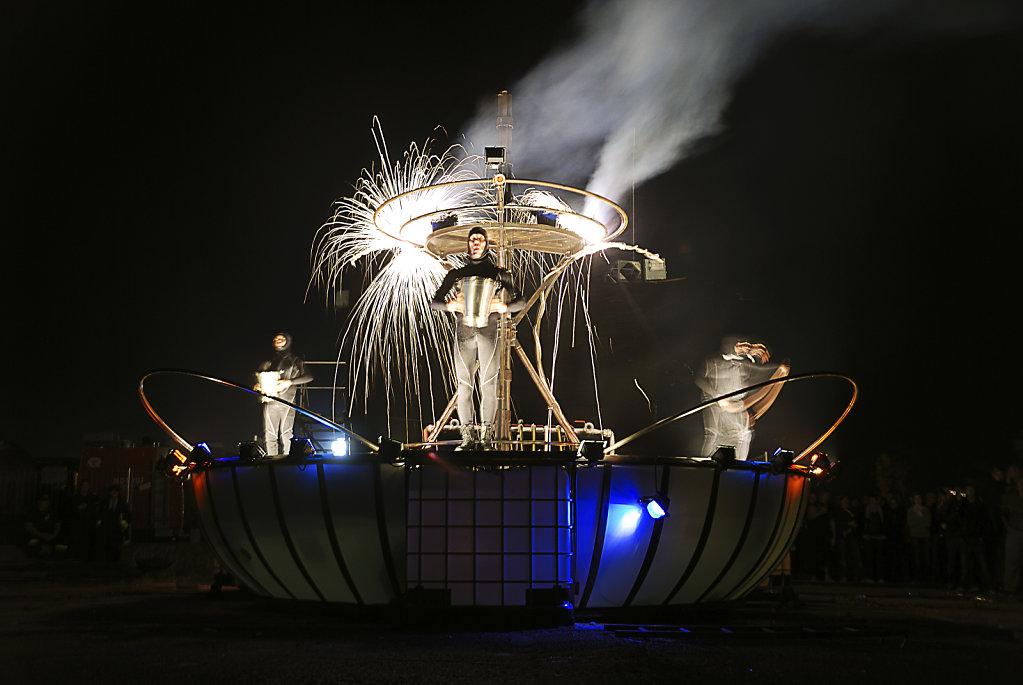 fusion festival 2008 nachts (02) - überfluss -  teil 1