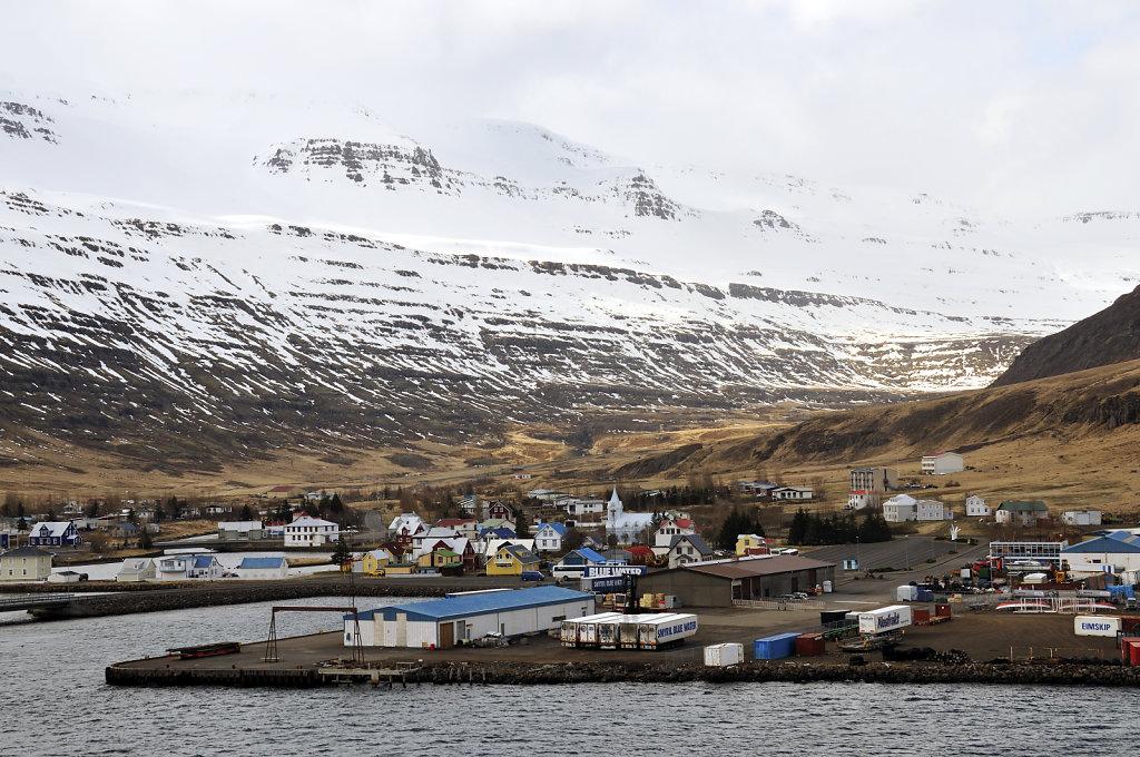island – seydisfjördur (22) – der ort vom schiff aus teil 3