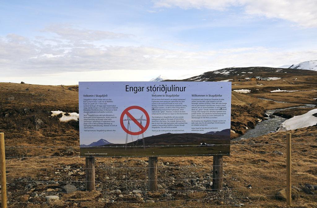 island – zwischen varmahlíð und blönduós (01) – protest
