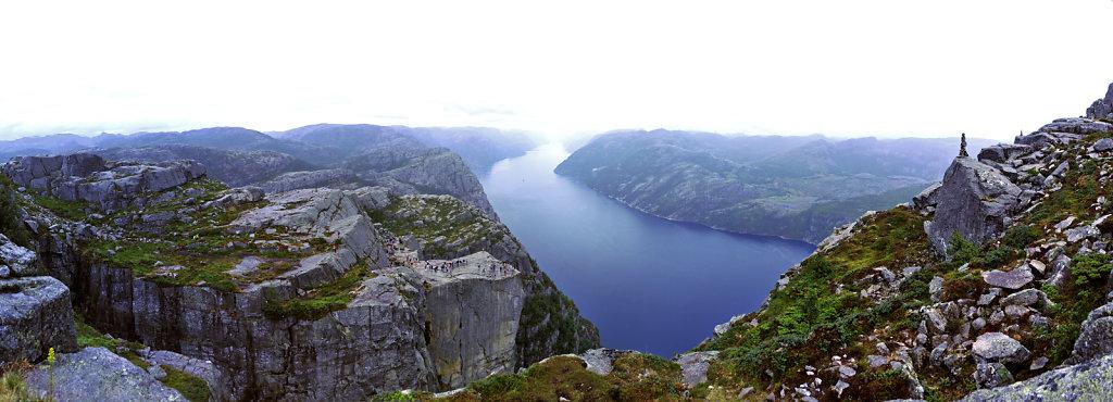 norwegen (24) -  preikestolen - teilpanorama teil drei