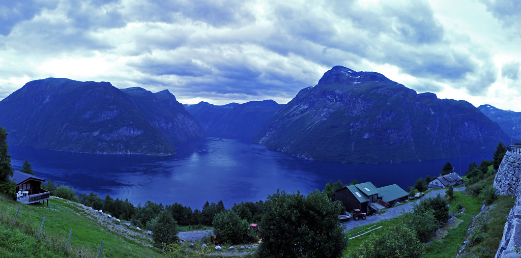 norwegen (124)  - hellesylt - teilpanorama