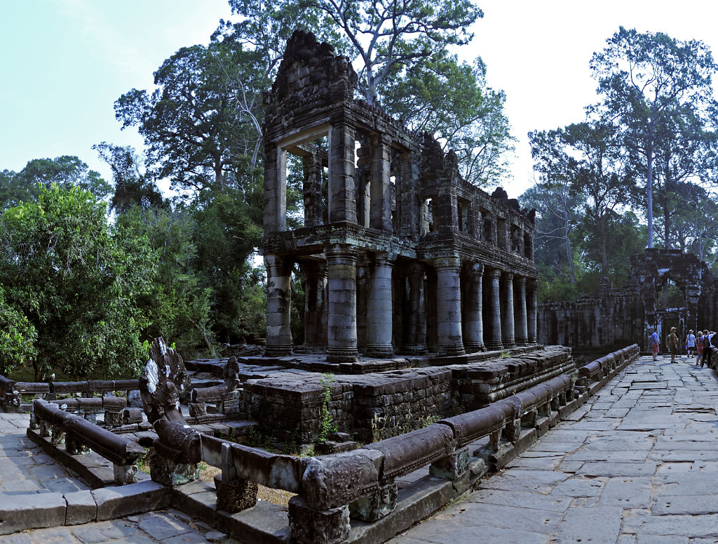 kambodscha - tempel von anghor - - preak khan - teilpanorama tei