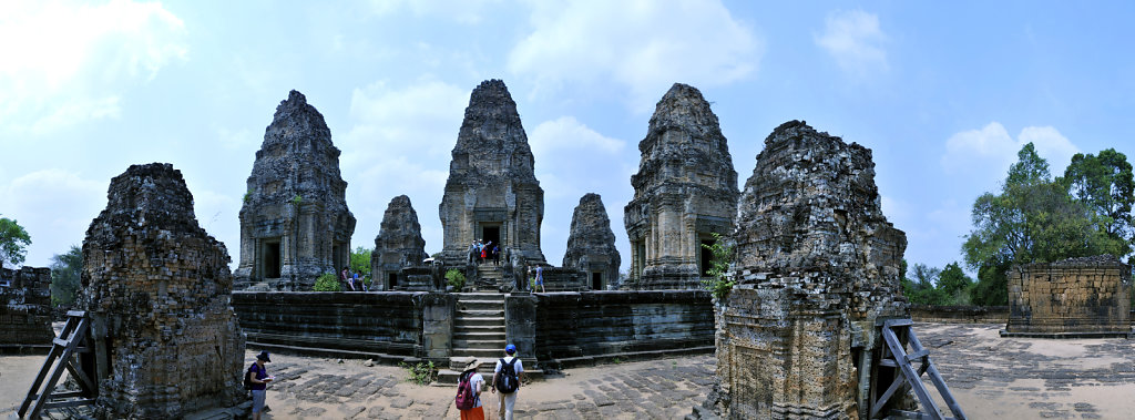 kambodscha - tempel von anghor - östlicher mebon -  teilpanoram