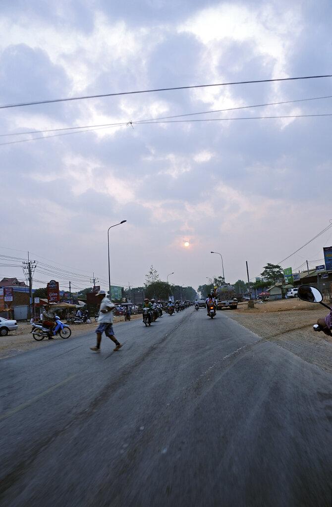 kambodscha - tempel von anghor - unterwegs (02)