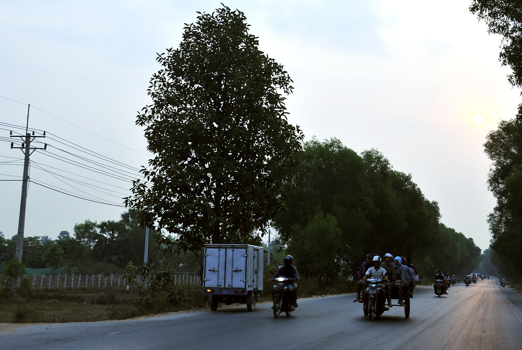 kambodscha - tempel von anghor - unterwegs (04)